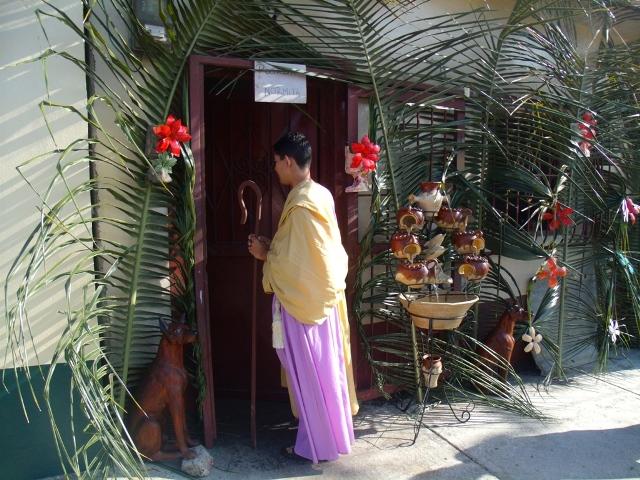 San José toca muchas puertas y no le dan posada. Foto Juan Ramón Colina