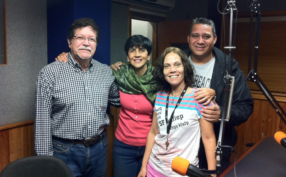 Erik Quiroga y Marisela Valero con el equipo de Unión Radio, Imma Sebastiano Fernando Camacho. Foto Vladimir Zambrano