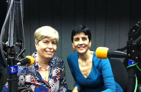 Carmen Cabello junto a Marisela Valero en el estudio. Foto Fernando Camacho