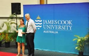 Adriana en la Universidad James Cook