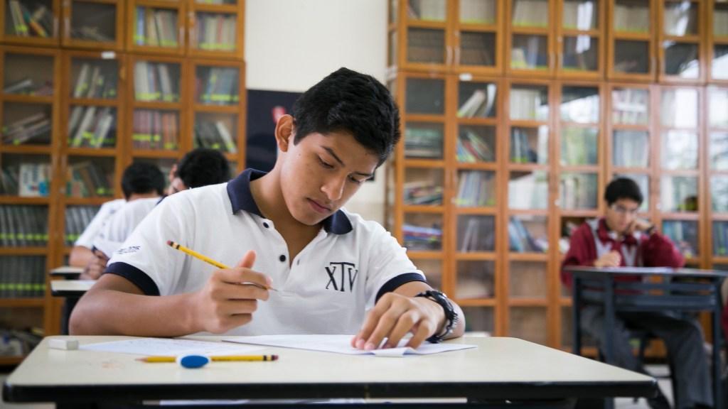 estudiando_secundaria_turicara