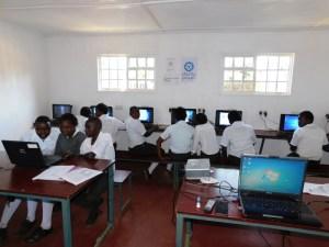 Students in Ubuntu lab, Kenya