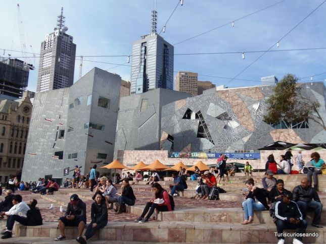 MELBOURNE. ¡FEDERATION SQUARE ES 10!