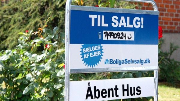 Nu bliver det lidt billigere at låne til sommerhuset, efter at Folketinget har vedtaget, at man kan belåne op til 75% af sommerhusets pris med realkredit. (Arkivfoto: Boliga Selvsalg/CC https://creativecommons.org/licenses/by/2.0/)