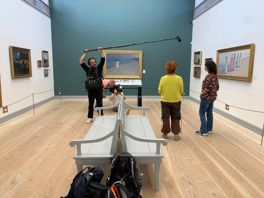 Optagelser til Rejsekammerater på Skagens Museum. (Foto: Birgitte Bak Aastradsen)