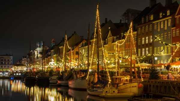 Julestemning i Nyhavn. Foto: Razvan Mirel