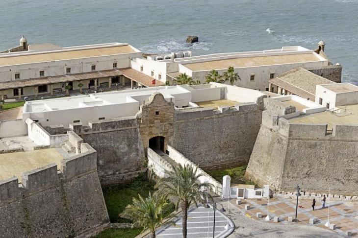 Turismo - Ayuntamiento de Cádiz   Castillo de Santa Catalina