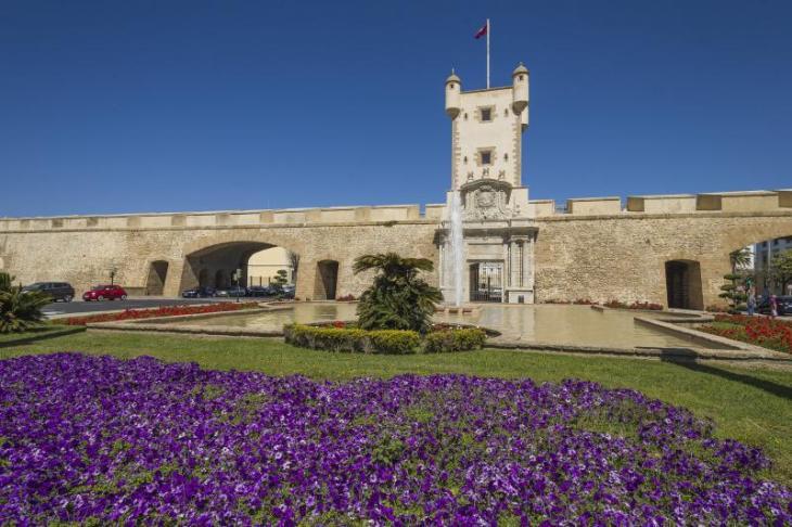 Turismo - Ayuntamiento de Cádiz   Puerta de Tierra