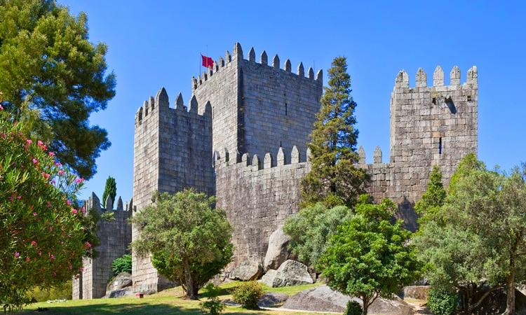 pontos turisticos de portugal castelo de guimaraes