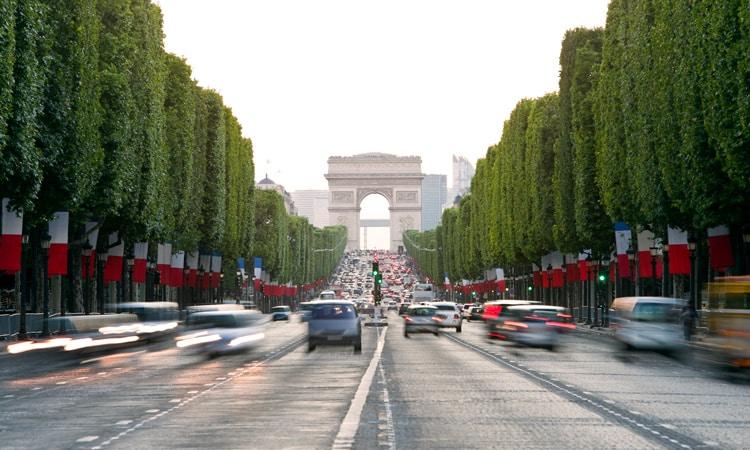 o que fazer em paris visitar arco do triunfo