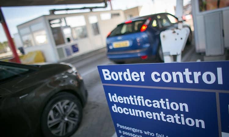 Evitar problemas na imigração