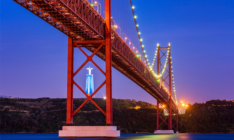 ponte 25 de abril e cristo rei pontos turisticos de lisboa