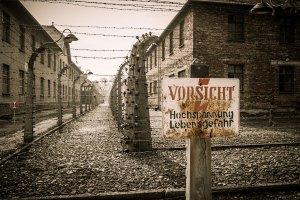 visitar o campo de concentracao de auschwitz