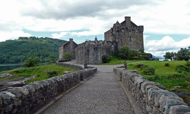 pontos turisticos na escocia castelo de eilean donan