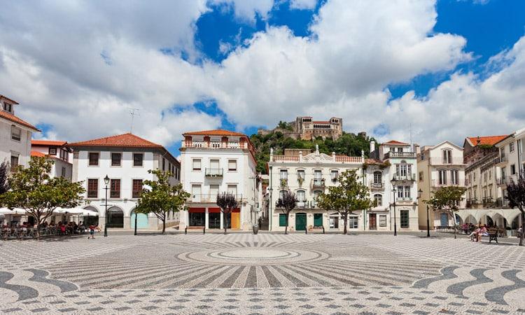 centro historico de leiria em portugal