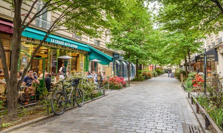 rua de marais em paris