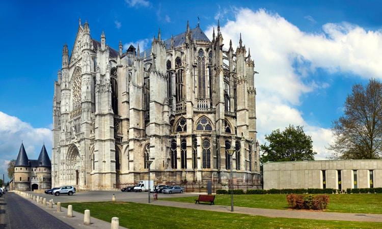 igrejas mais altas da europa catedral de beauvais