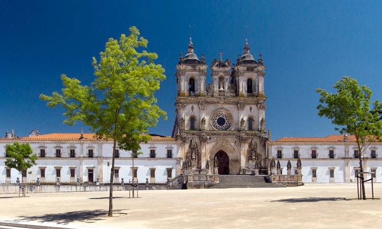 mosteiro de alcocaba maravilhas de portugal