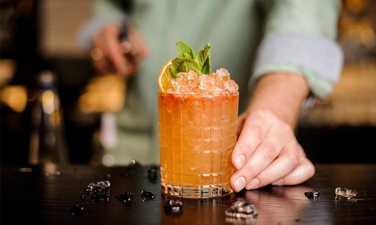 cocktail num bar