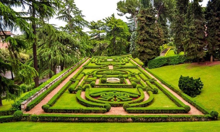 labirinto nos jardins do vaticano