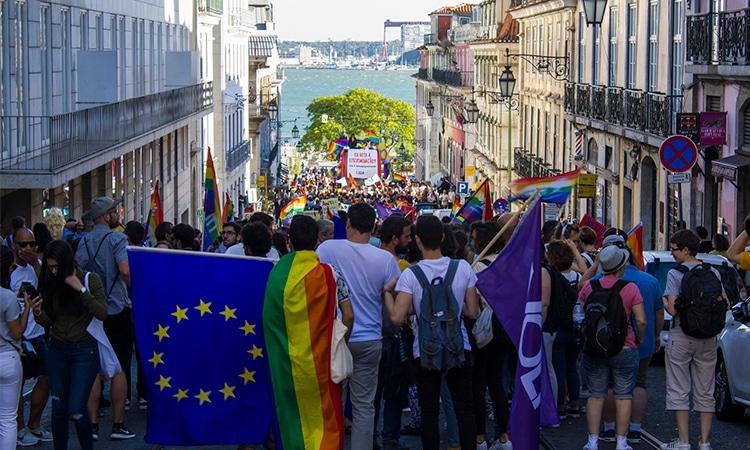 parada gay em portugal
