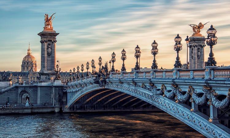 monumento ponte alexandreIII