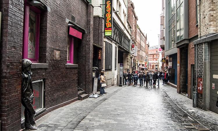 cavern club no roteiro para fãs de Beatles em Liverpool