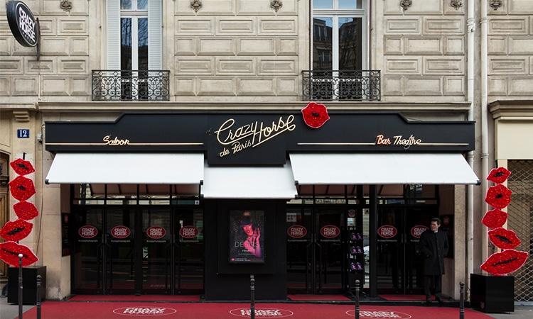 visitar cabaret crazy horse em paris