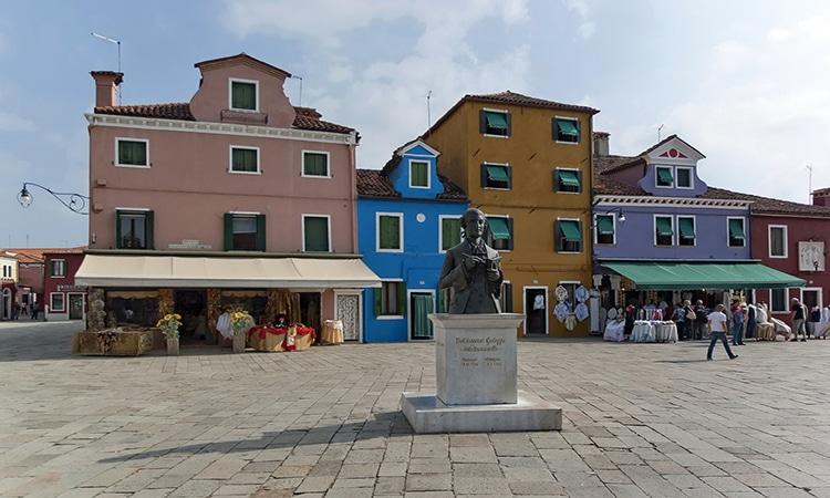Piazza Galuppi em Burano