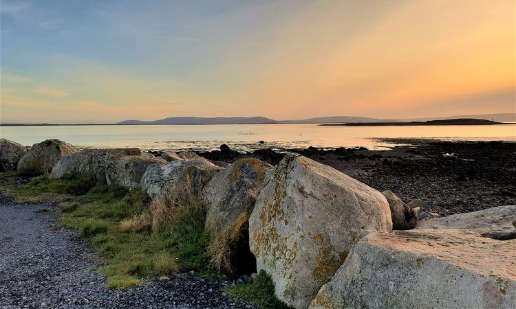 Galway Bay na Irlanda é um dos pontos turísticos mais visitados