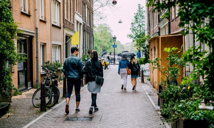 quanto custa viajar pra amsterdam