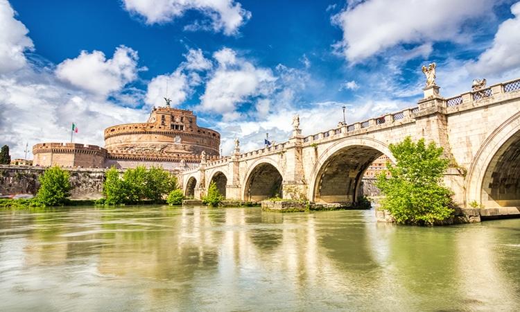 rio tibre e castelo santo angelo