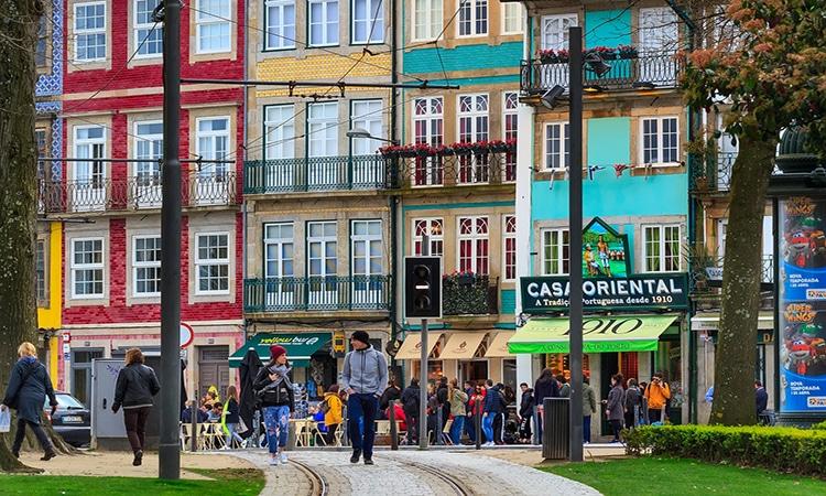 ruas do porto em portugal