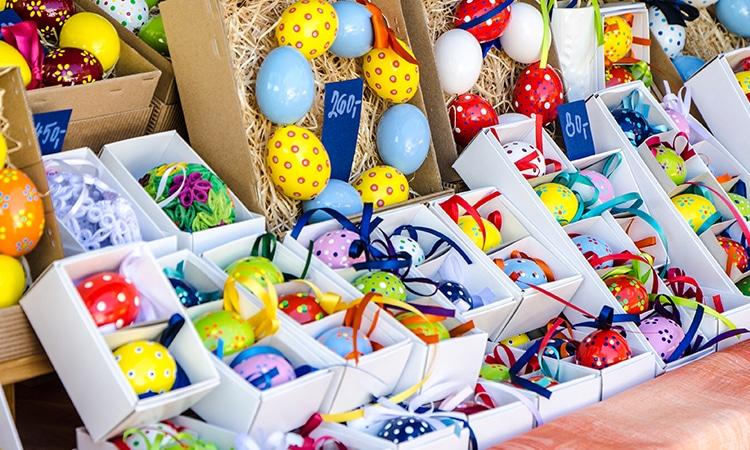 Lugares para viajar na Páscoa 2020 ovos coloridos