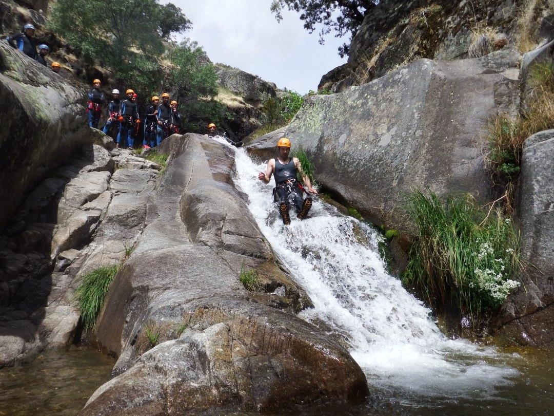 barranquismo con turismo activa, en el valle de Jerte. (90)