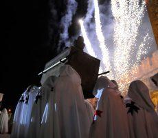 Desfile Noche Templaria con Arca de la Alianza
