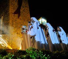 Procesión Noche Templaria con Grial