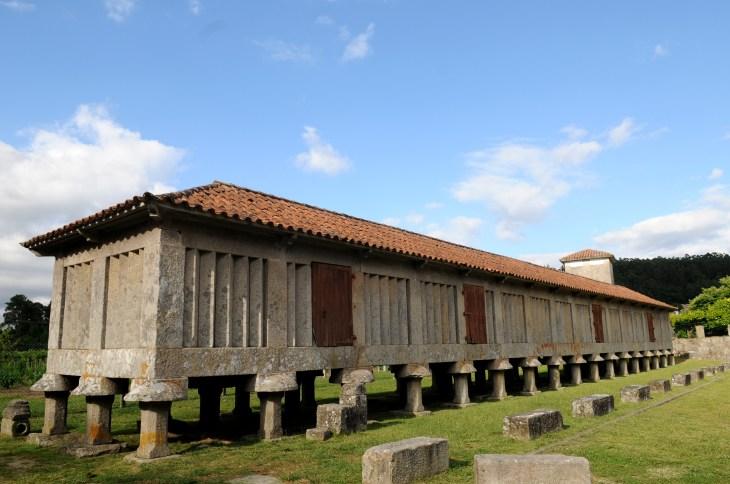 Monasterio de San Juan de Poio - Turismo Rias Baixas