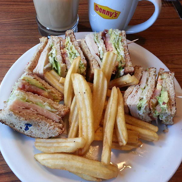 Comer y cuidar el presupuesto. Foto: Dennys Restaurant