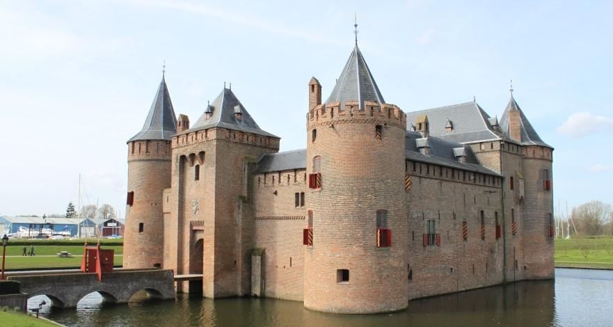Muiderslot: um castelo a 15km de Amsterdã
