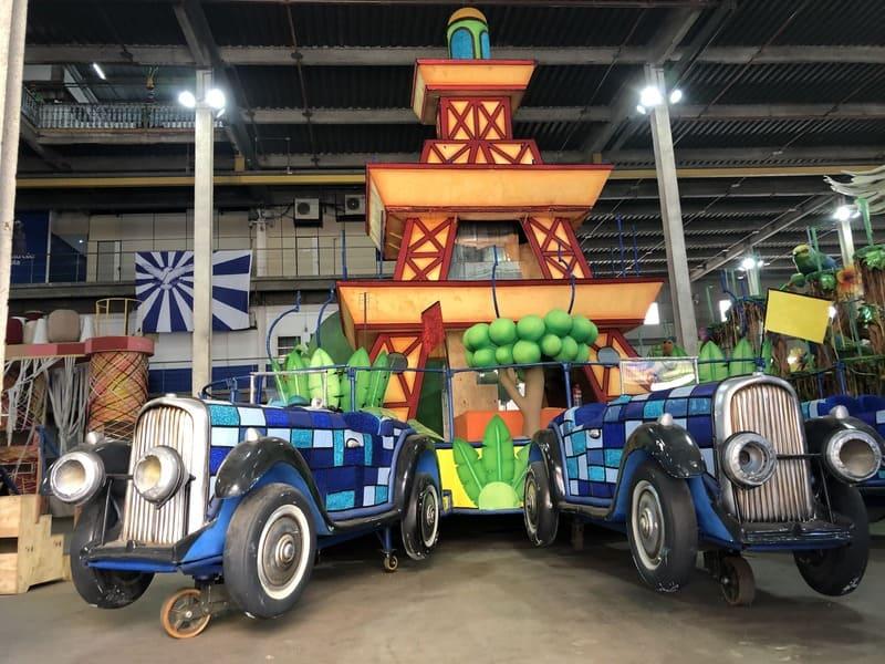 Visita guiada ao barracão da Portela: carros alegóricos