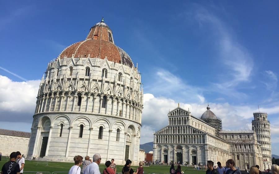 Pisa em bate e volta de Florença: Piazza dei Miracoli.