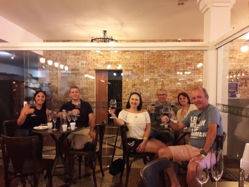 Visita com degustação à Vinícola Salton - loja e ambiente para degustação