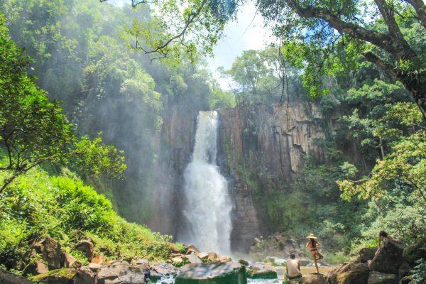 9 Cachoeiras em Faxinal pra você se aventurar.