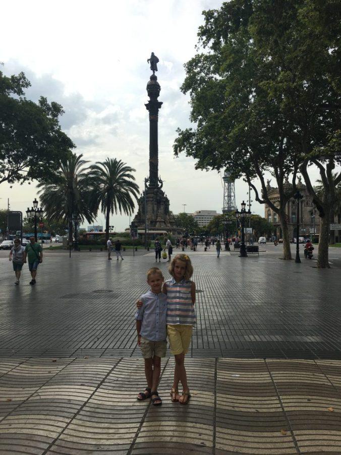 Barcelona - columb statue