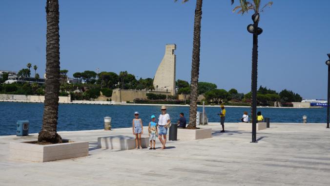 Brindisi - sailors monument