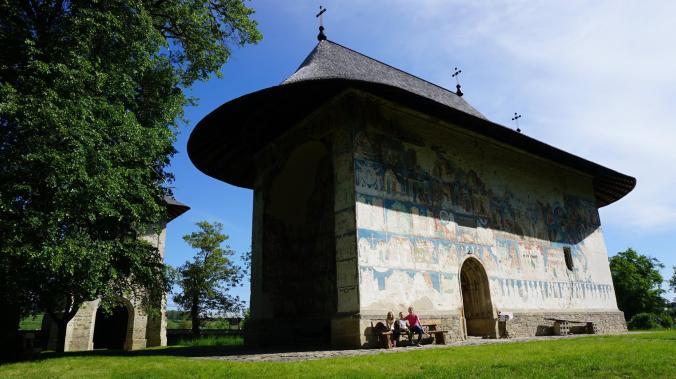 Bucovina - manastirea arbore