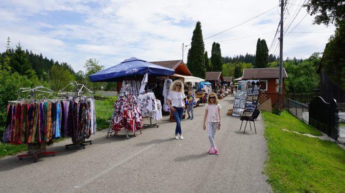Bucovina - voronet shops