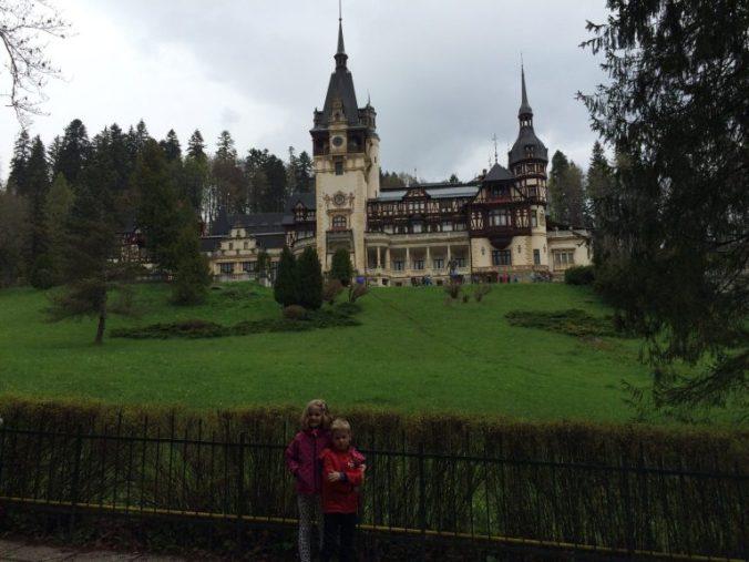 Castelul Peles si Castelul Bran - castel peles view