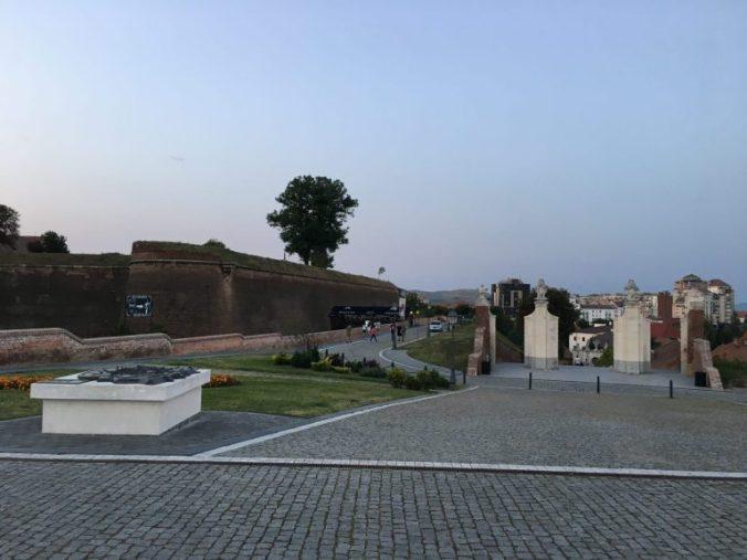 Cetatea Alba-Iulia - another gate